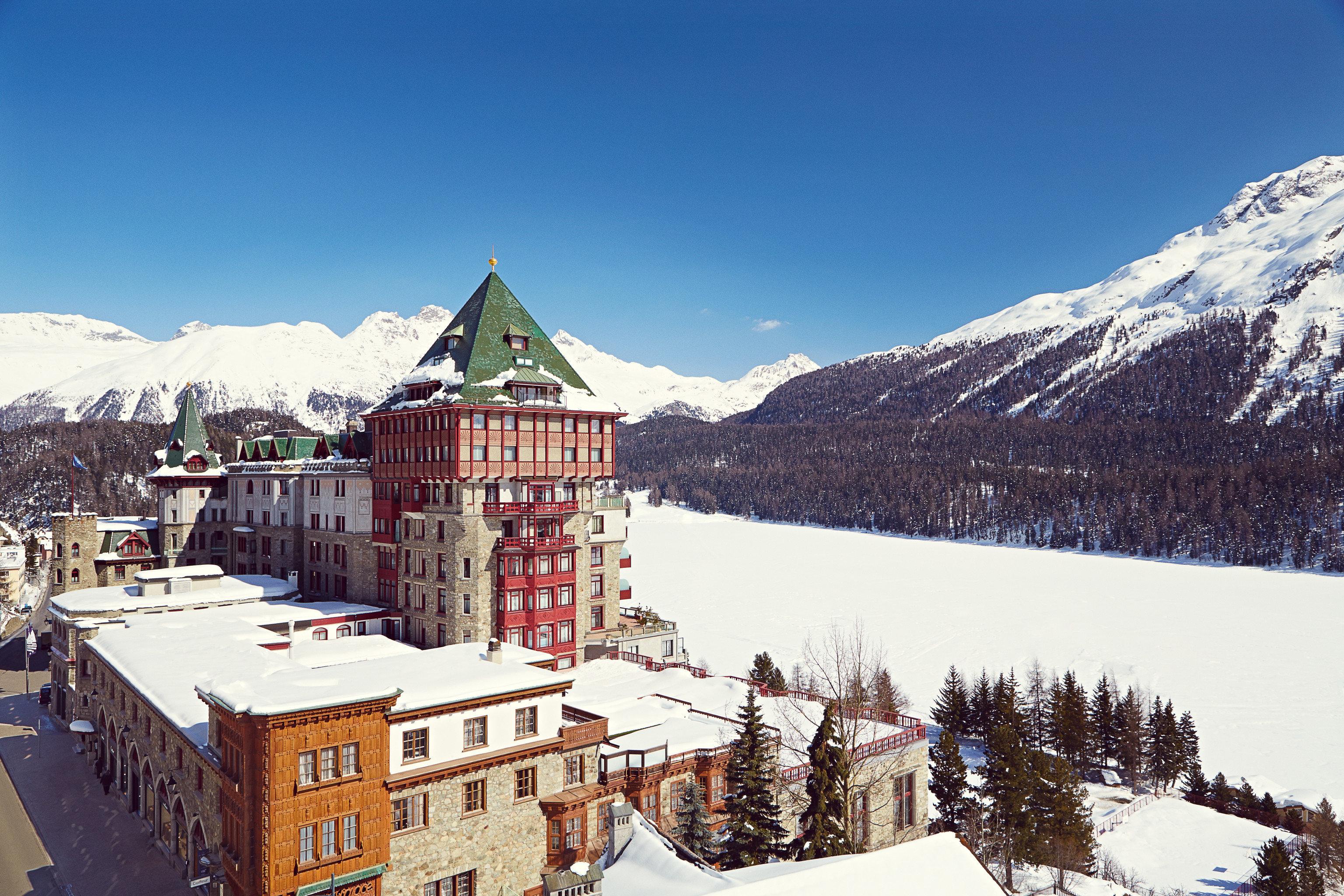 sky snow mountain mountainous landforms Winter mountain range weather Town season Nature Resort alps piste winter sport