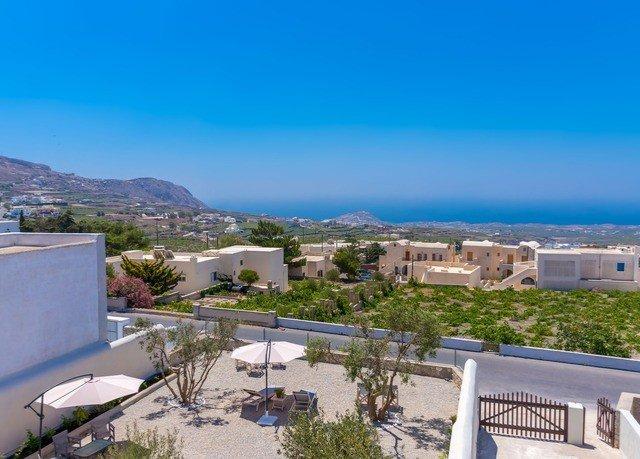 sky property Resort residential area marina Villa Nature condominium swimming pool panorama