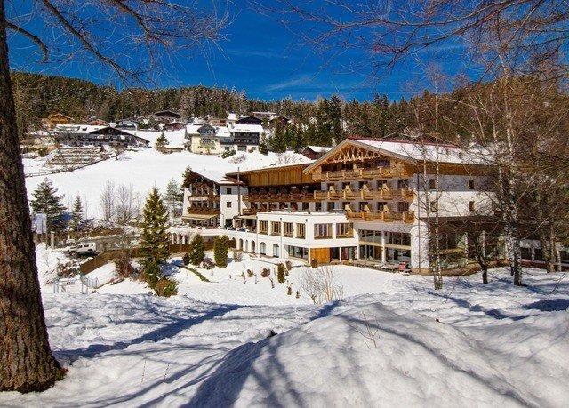 snow tree Winter weather season geological phenomenon Nature Resort mountain piste mountain range house log cabin ski slope