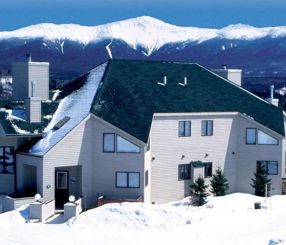 snow mountain building sky house Winter home Nature mountain range weather season residential area cottage Town alps roof siding residential