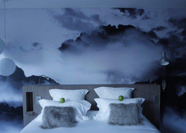 sky weather snow atmosphere Winter cloud light freezing darkness Nature ice screenshot painting computer wallpaper dark