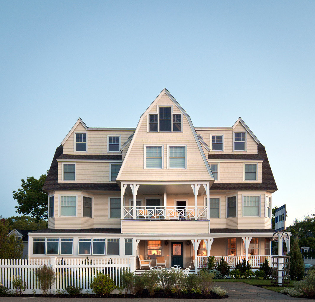 Exterior of the Tides Beach Club, Maine