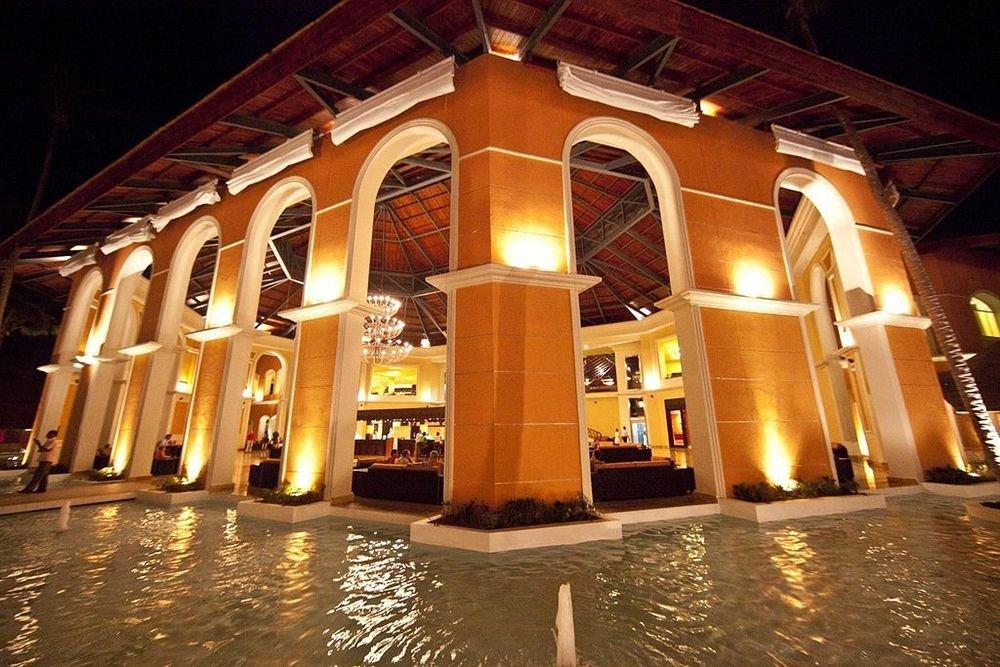 night opera house restaurant