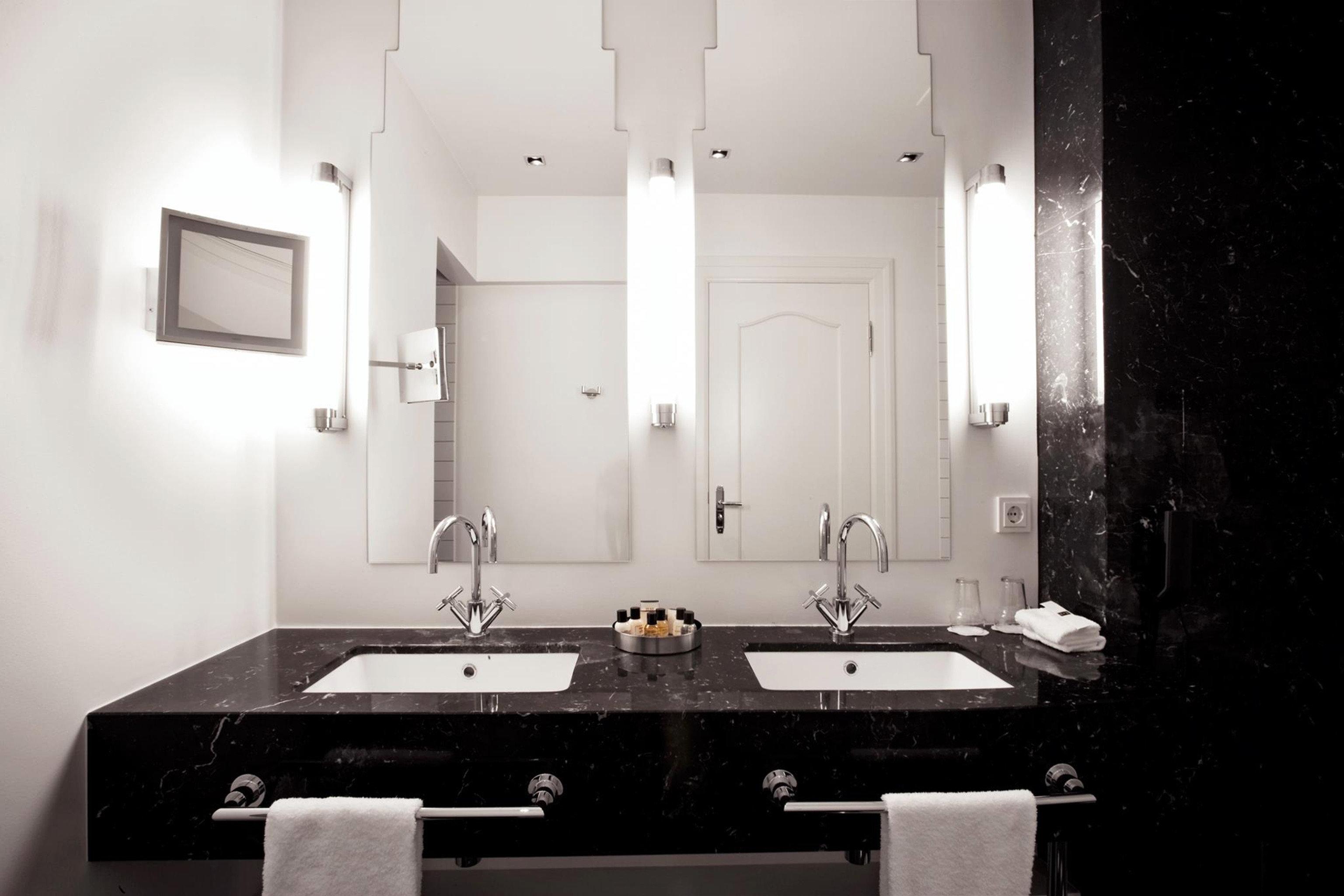 Bath Boutique Boutique Hotels Design Hotels Iceland Modern Reykjavík wall bathroom indoor white room mirror house sink home floor interior design lighting plumbing fixture estate toilet