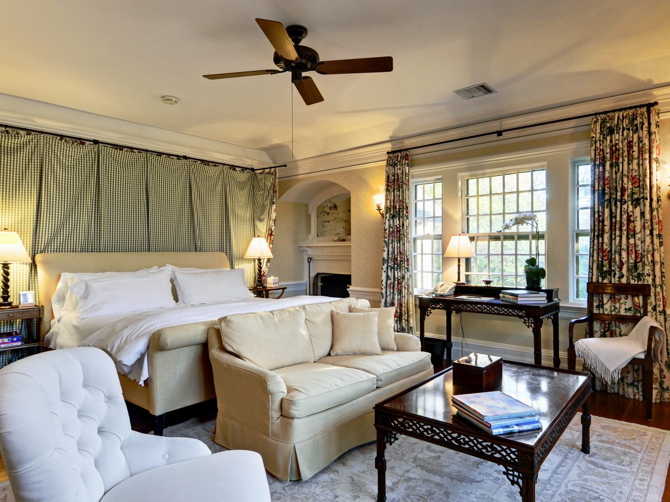 B&B Beach Bedroom Elegant Historic Inn Romantic South Fork The Hamptons Wellness indoor room floor Living sofa window living room property estate ceiling home furniture interior design real estate Villa cottage condominium mansion Suite Design farmhouse decorated several