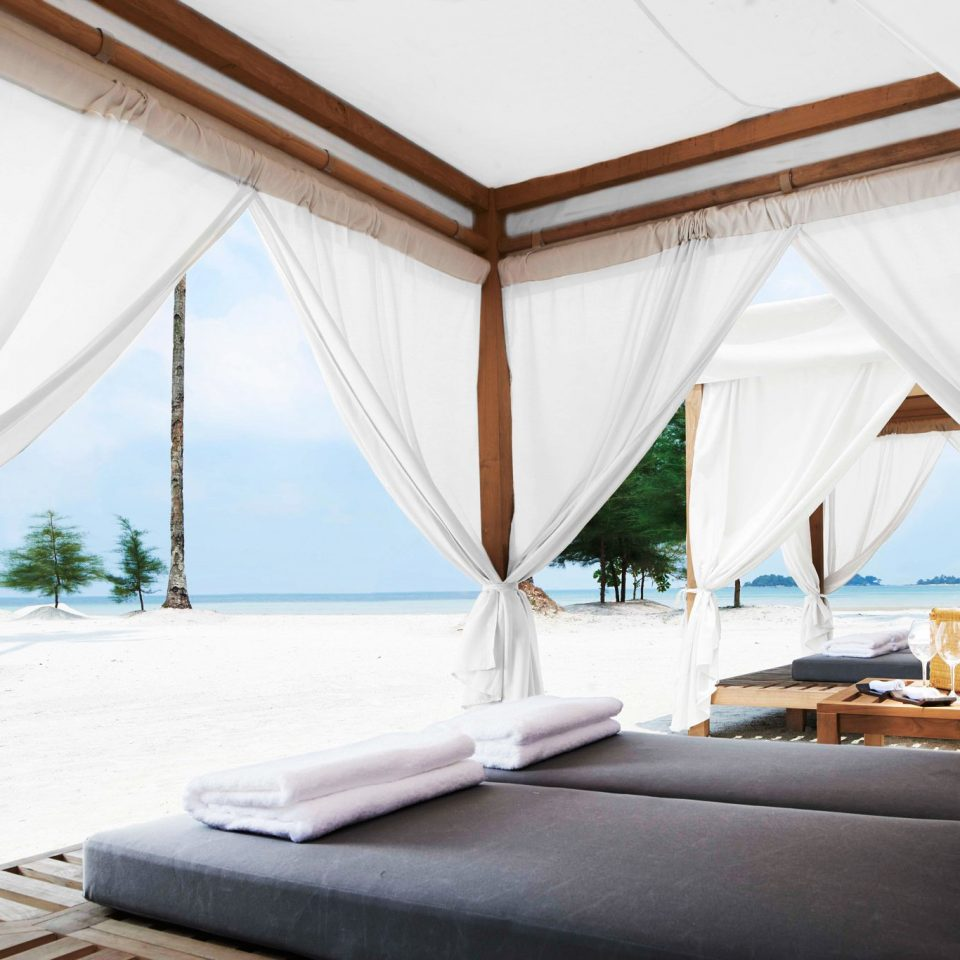 Ocean Outdoors Sea Tropical Wellness sofa tent Villa