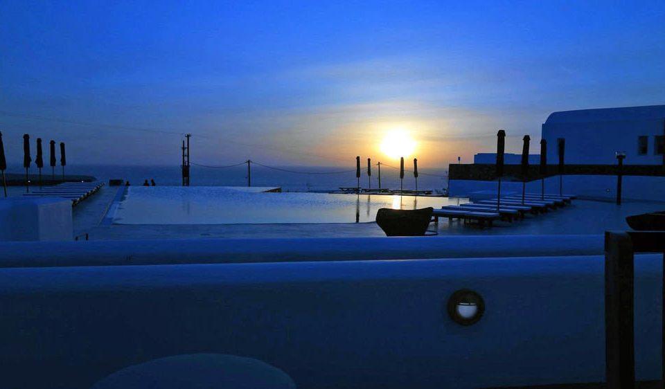 sky blue light weather horizon night morning sunrise dusk dawn evening Sunset Ocean Sea shape day