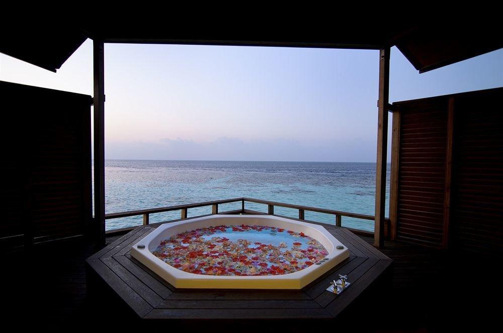 sky water swimming pool property house Ocean jacuzzi Villa yacht overlooking