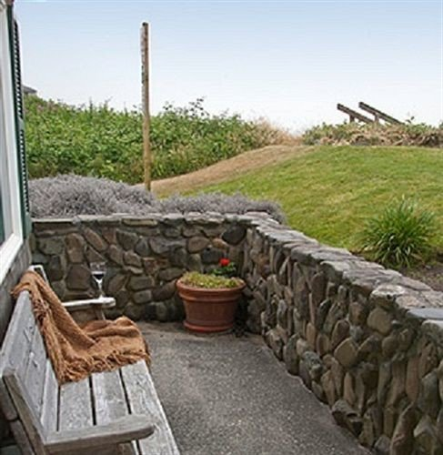 sky property walkway outdoor structure stone