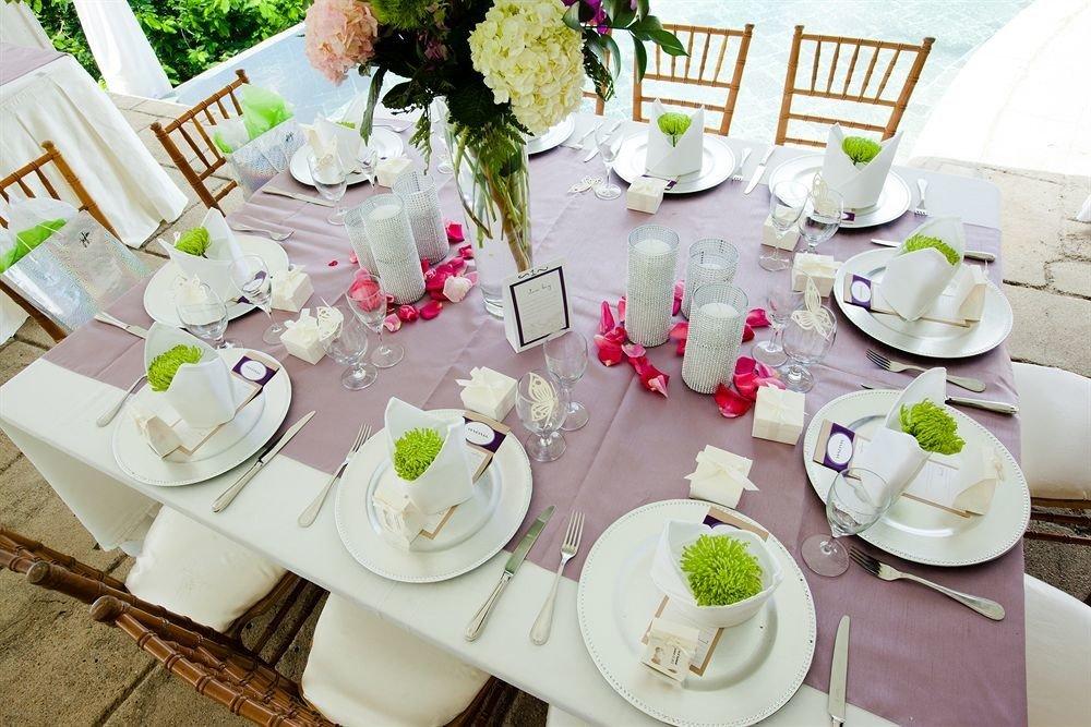 plate flower arranging centrepiece Party flower floristry brunch wedding floral design rehearsal dinner baby shower dining table