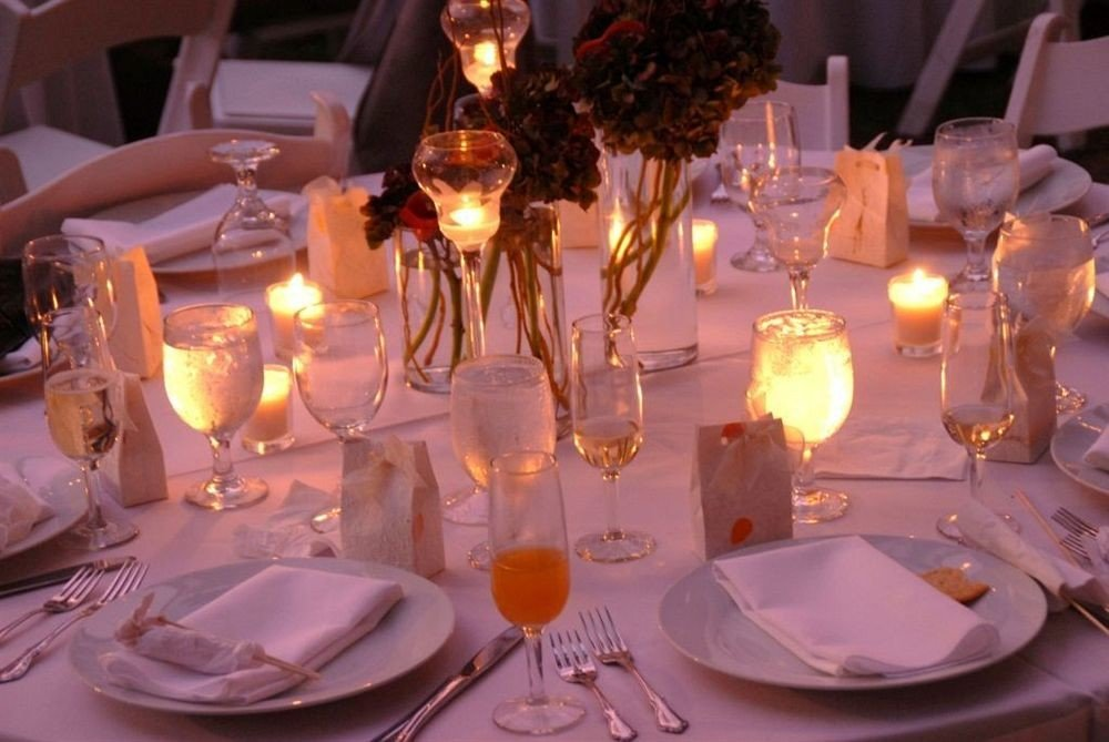 wine centrepiece glasses plate banquet dinner function hall ceremony wedding Party wedding reception restaurant quinceañera lighting event ballroom dining table