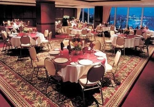 function hall banquet wedding ceremony restaurant wedding reception quinceañera Party ballroom set dining table