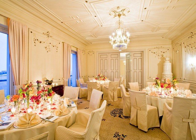 function hall banquet wedding ceremony ballroom Party restaurant living room conference hall long fancy surrounded