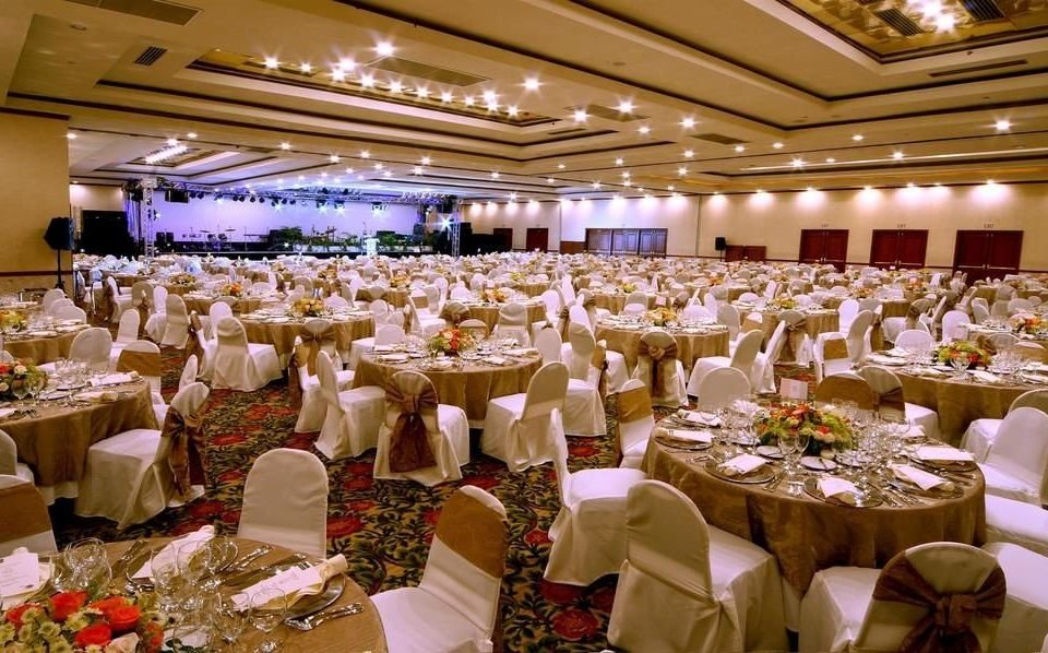 function hall plate banquet wedding ceremony ballroom wedding reception Party convention center full long restaurant