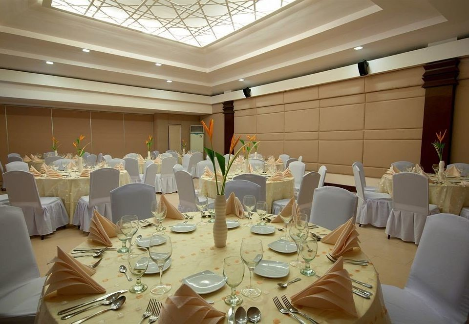 function hall banquet wedding Party restaurant ceremony event ballroom conference hall wedding reception dining table