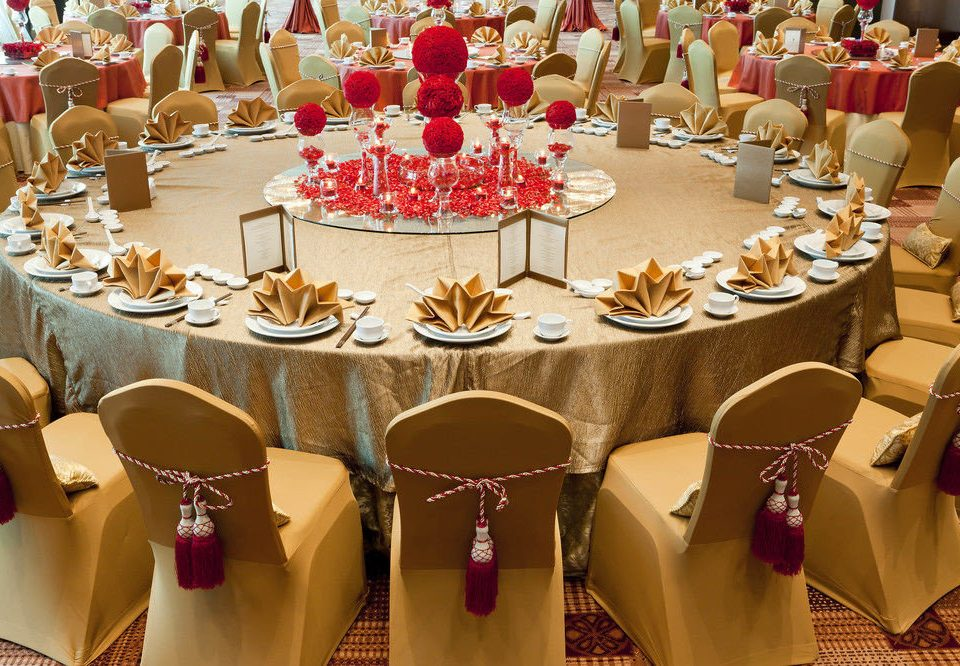 banquet function hall Party ballroom dining table