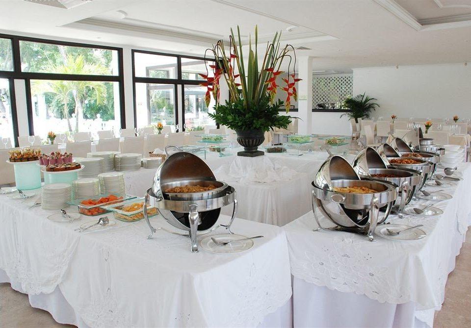 restaurant banquet function hall Party brunch centrepiece
