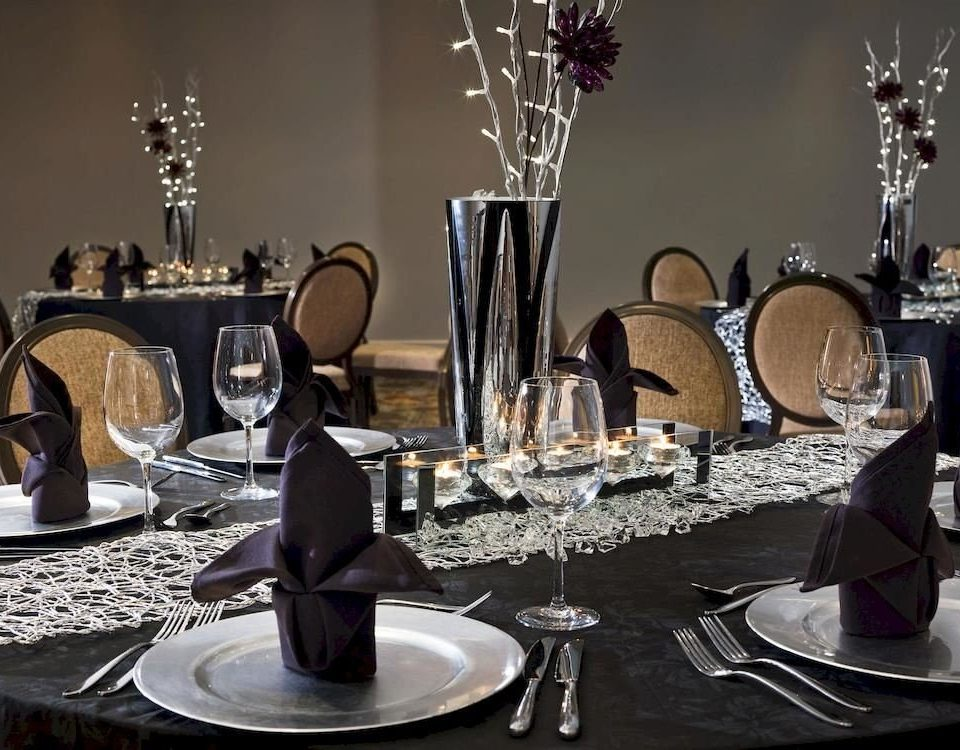 centrepiece restaurant lighting banquet Party wedding reception dinner set dining table cluttered