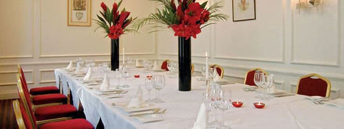 banquet centrepiece function hall restaurant Party dining table