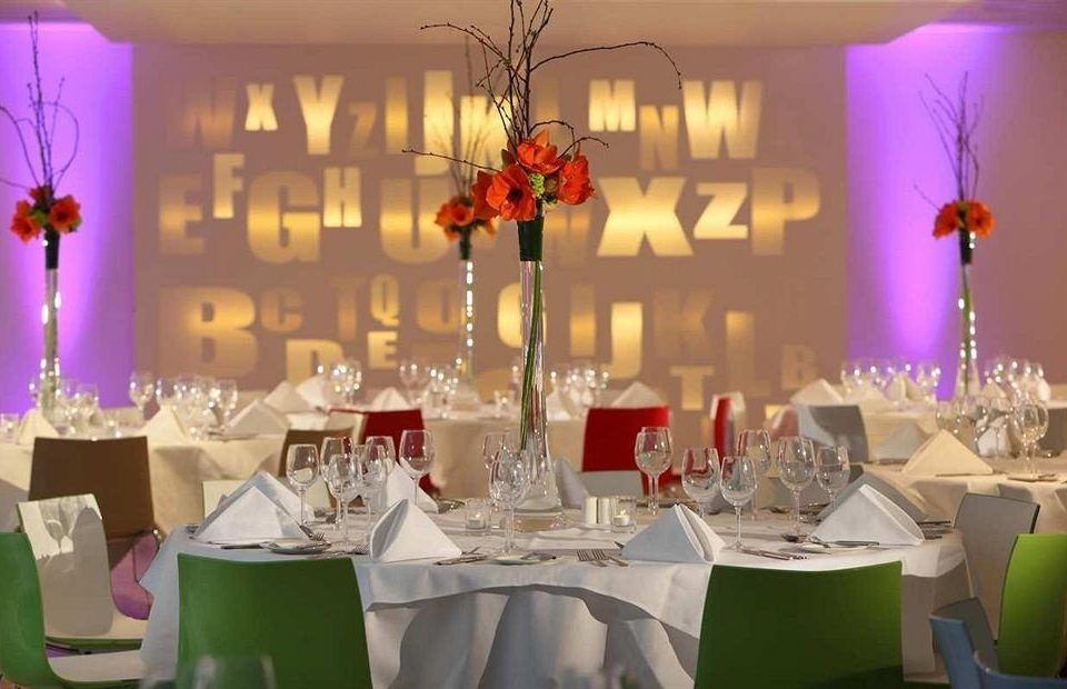 centrepiece function hall Party banquet quinceañera wedding reception set dining table