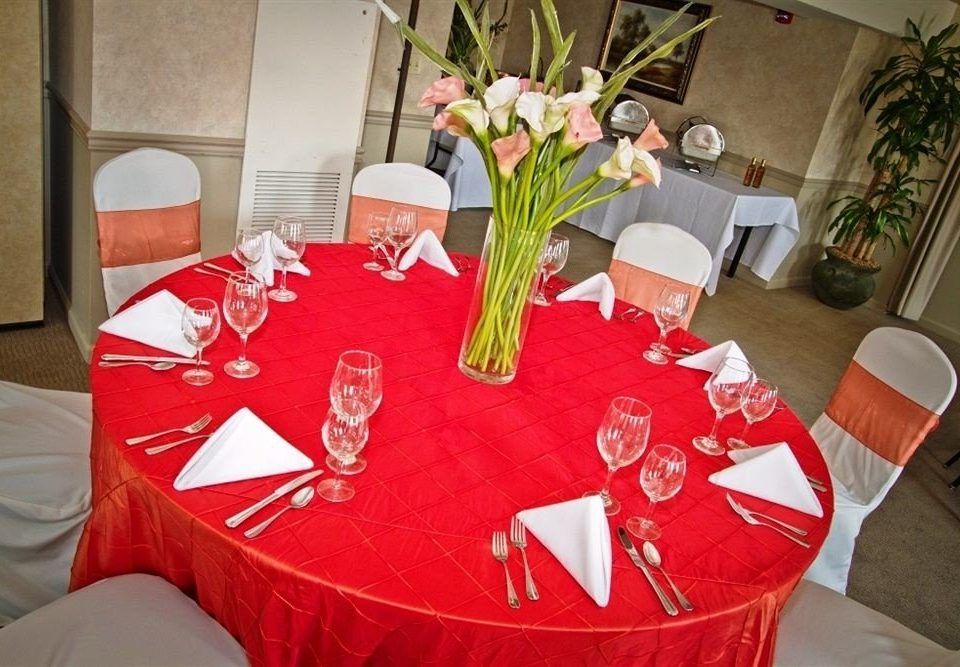 red banquet Party centrepiece event flower dining table