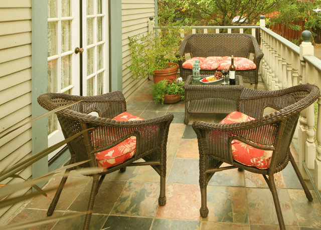 property outdoor structure porch backyard Patio wicker cottage living room