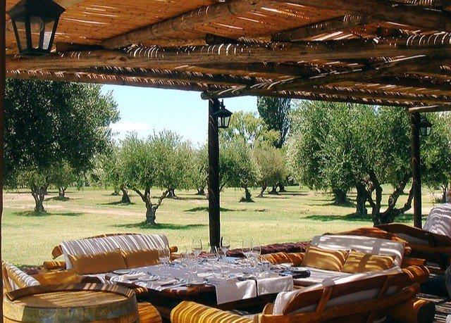 tree Picnic wooden Resort outdoor structure pergola backyard home hacienda Villa cottage Patio