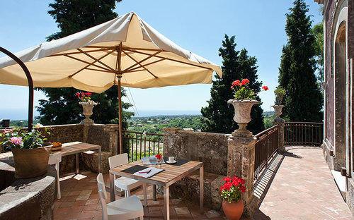 sky tree property Resort Villa outdoor structure backyard cottage restaurant hacienda gazebo Patio day