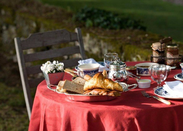 grass Picnic red breakfast food set dining table