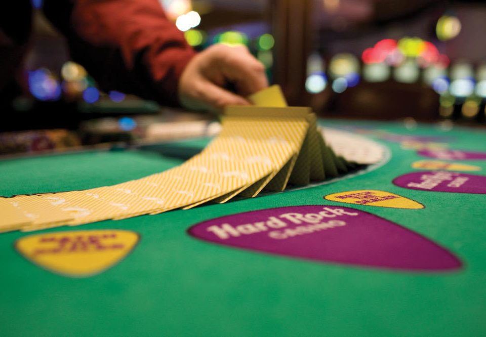 gambling house color scene green games Play queen indoor games and sports