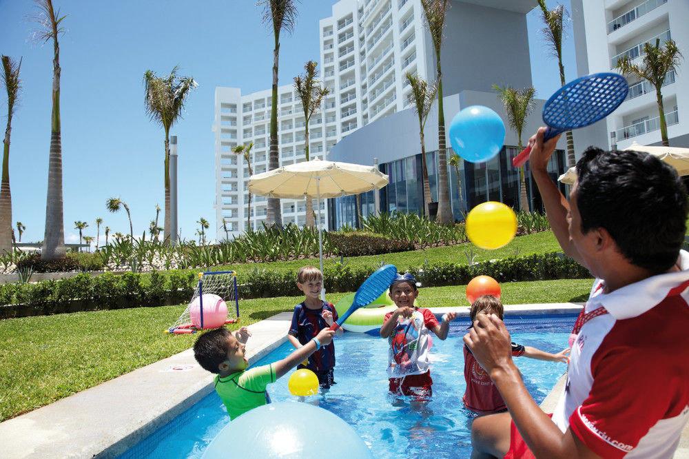 sky grass leisure swimming pool Play Water park Playground amusement park park Resort outdoor play equipment
