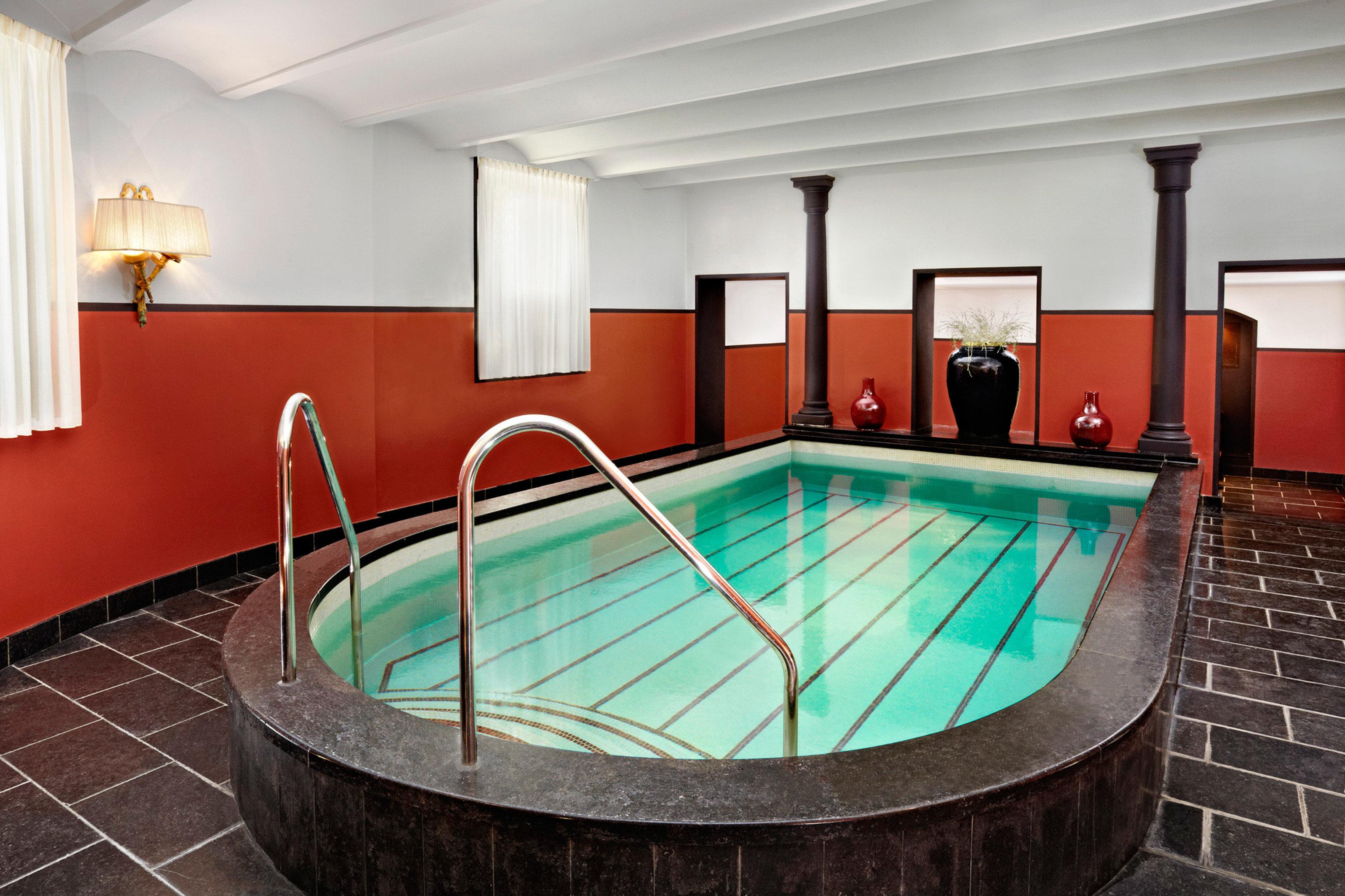 Play Pool Resort swimming pool property Suite billiard room jacuzzi colored