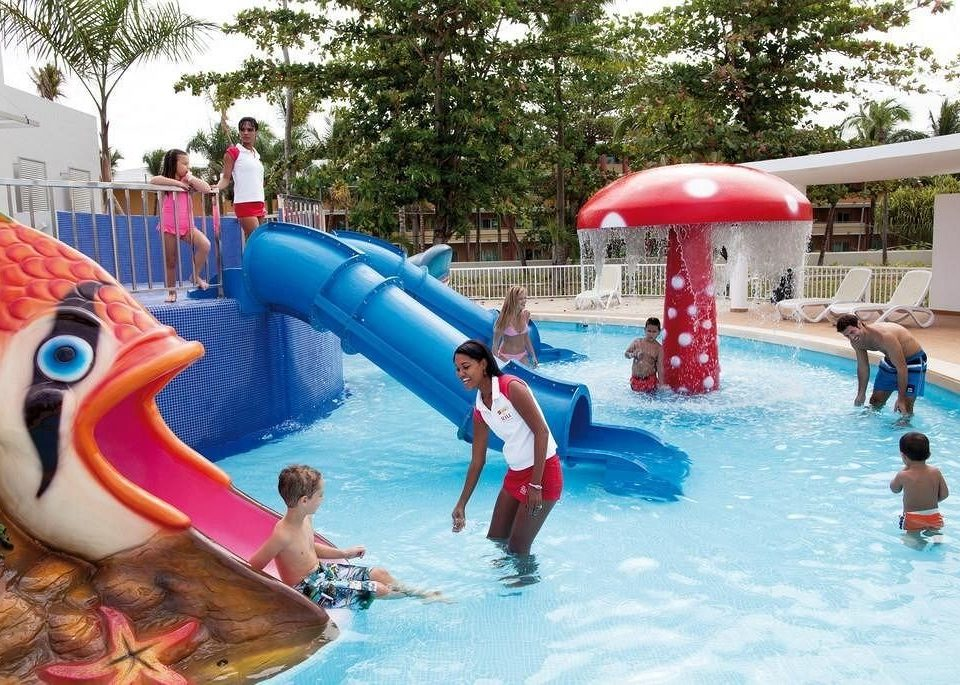 tree amusement park Water park leisure park Play outdoor recreation Resort recreation swimming pool Pool nonbuilding structure swimming