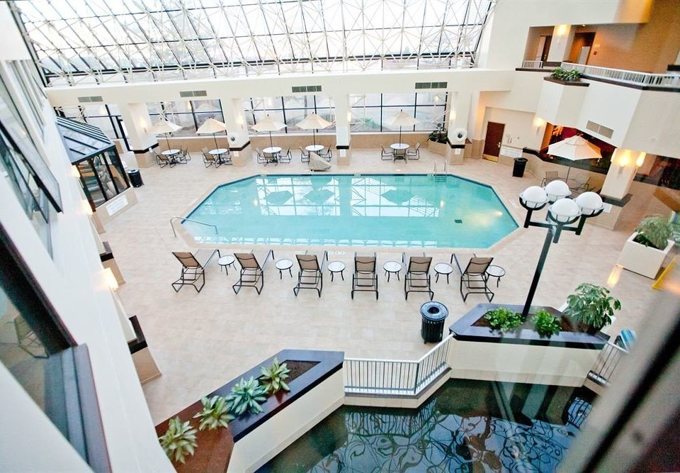 Pool swimming pool property leisure condominium convention center dining table