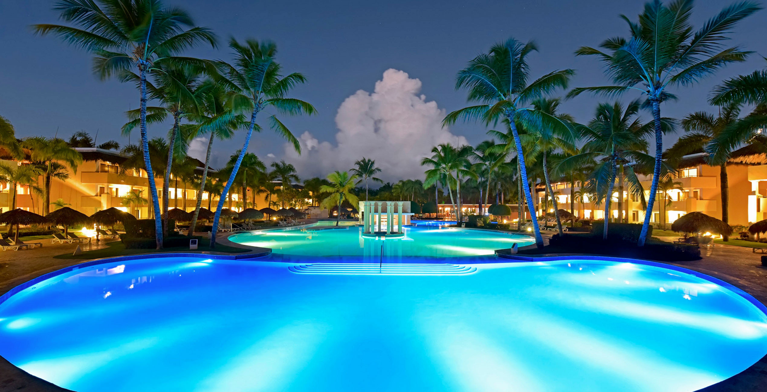 tree palm swimming pool Resort leisure caribbean Pool resort town condominium arecales blue