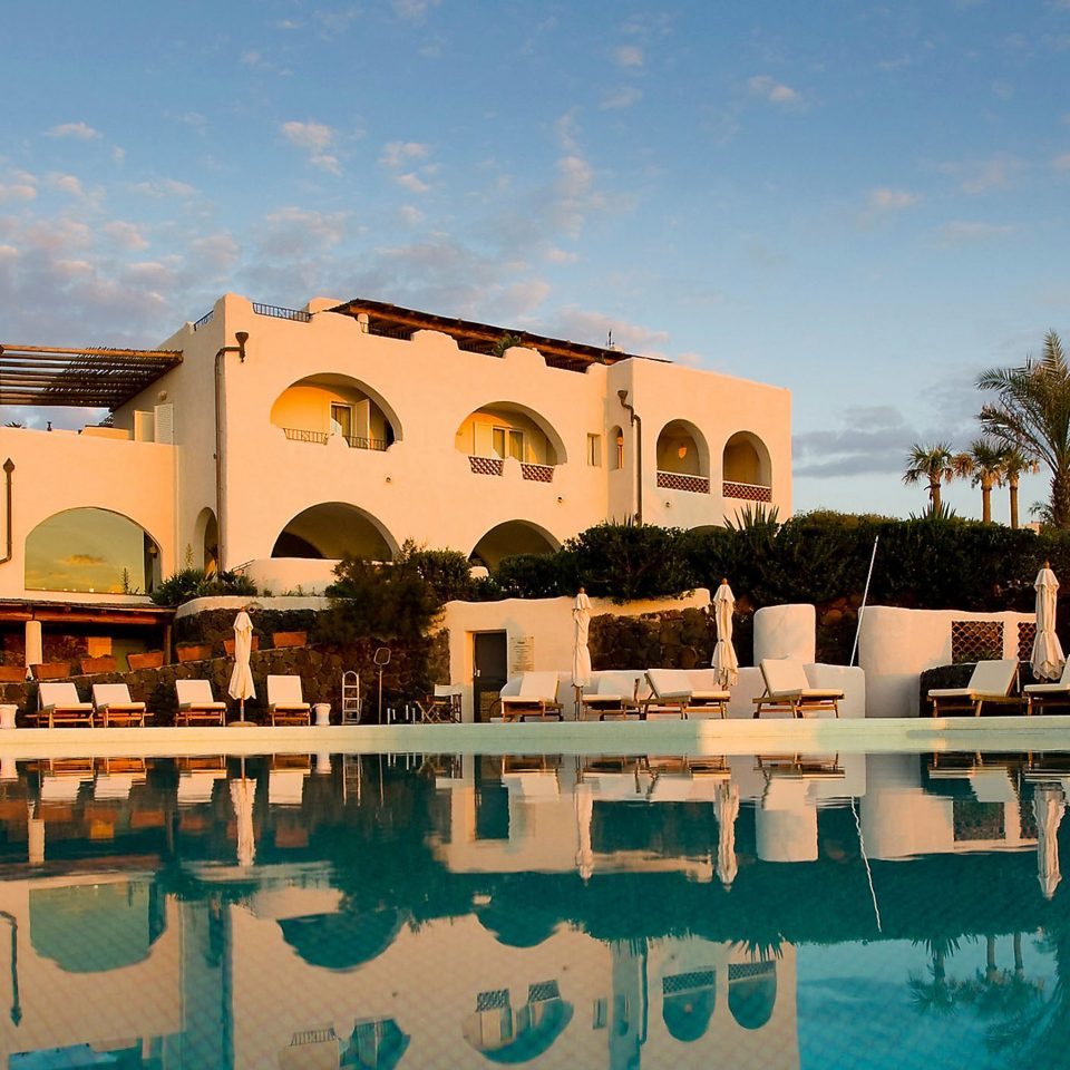Pool Resort Romance Wellness sky leisure property swimming pool home palace Villa hacienda