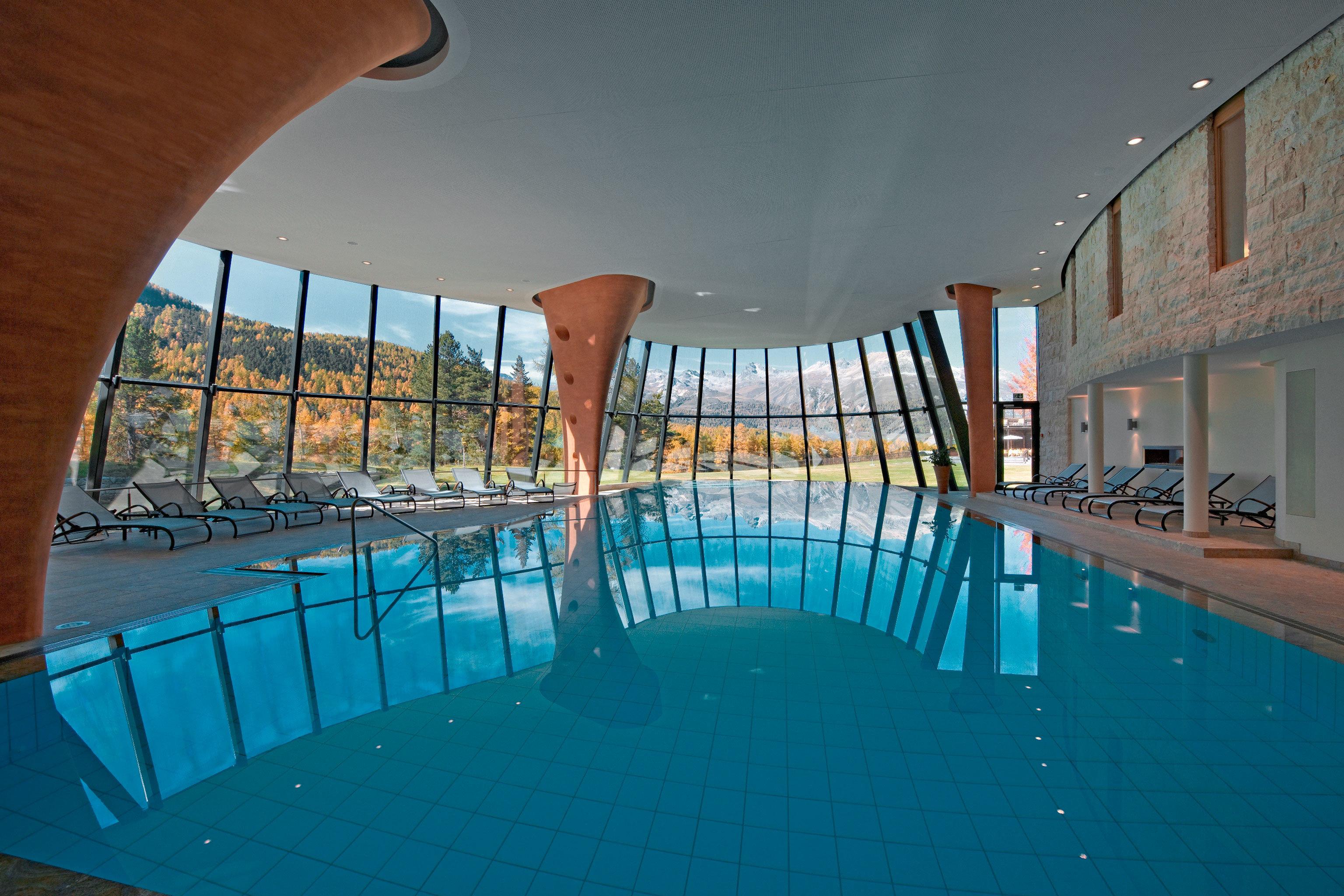 Scenic views Sport swimming pool leisure chair property Resort Pool