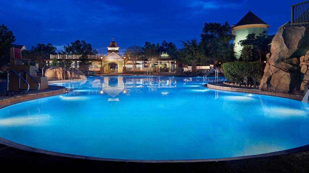 blue water Pool swimming pool property leisure Resort resort town Villa swimming mansion backyard