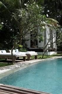 tree swimming pool property condominium Villa Resort Pool backyard mansion outdoor structure cottage
