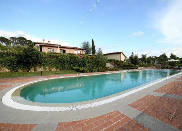 sky ground swimming pool property Pool Villa reflecting pool condominium Resort empty mansion backyard bathtub swimming