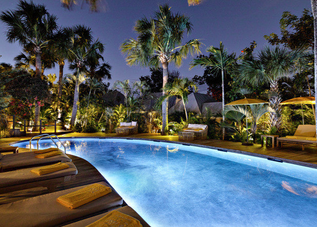 tree sky swimming pool Resort leisure property Villa Pool caribbean park backyard condominium mansion palm