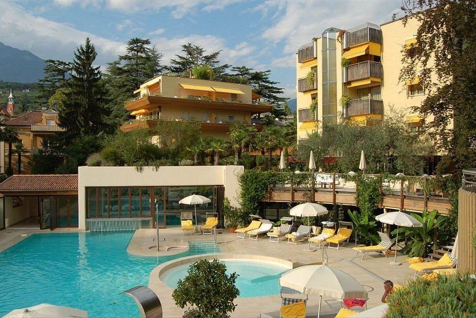 tree Resort condominium property leisure swimming pool Villa home resort town mansion Pool backyard plaza swimming