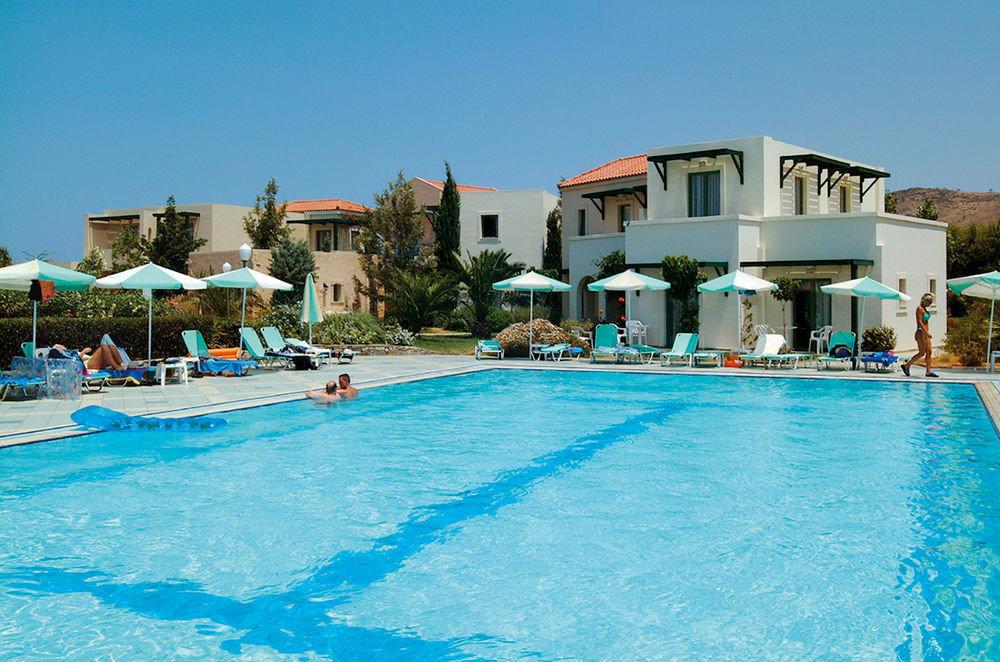 sky water Pool swimming pool Resort property leisure swimming water sport blue resort town Villa