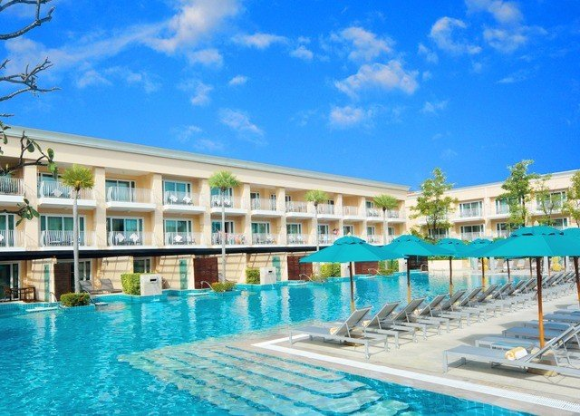 sky swimming pool property Resort condominium Pool leisure leisure centre resort town palace marina caribbean Villa blue swimming