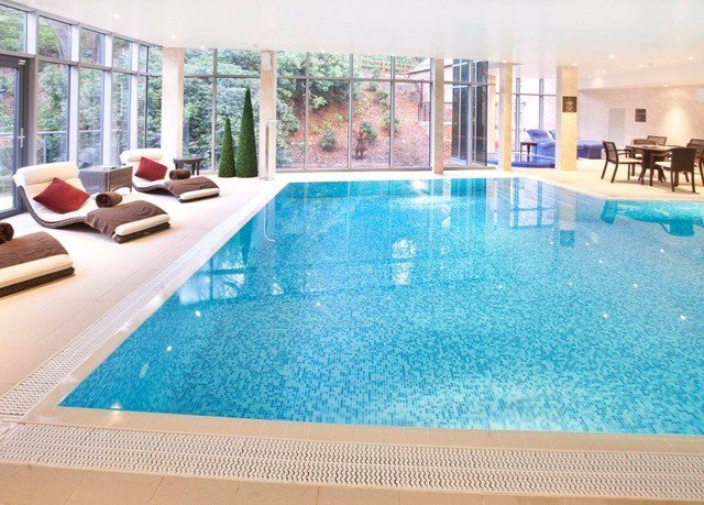 swimming pool property leisure leisure centre Resort Pool condominium jacuzzi Villa blue