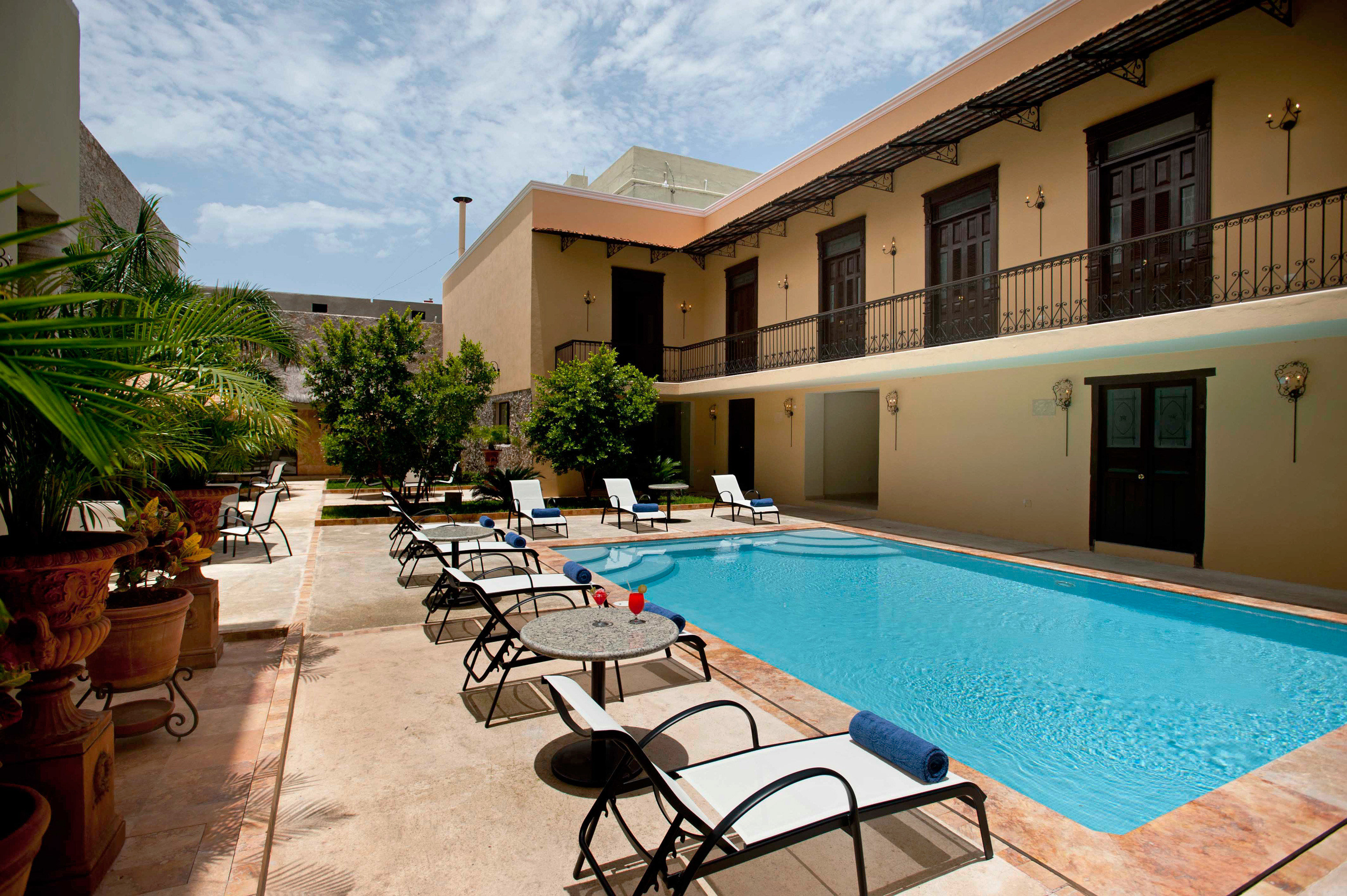 Pool ground building property leisure swimming pool Resort condominium Villa home hacienda