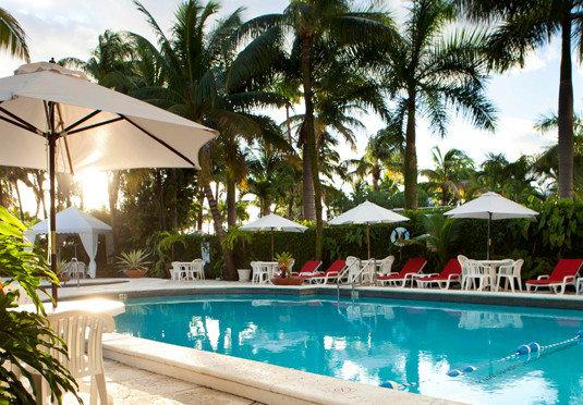 tree Resort swimming pool property Pool leisure Villa caribbean condominium home palm hacienda eco hotel swimming