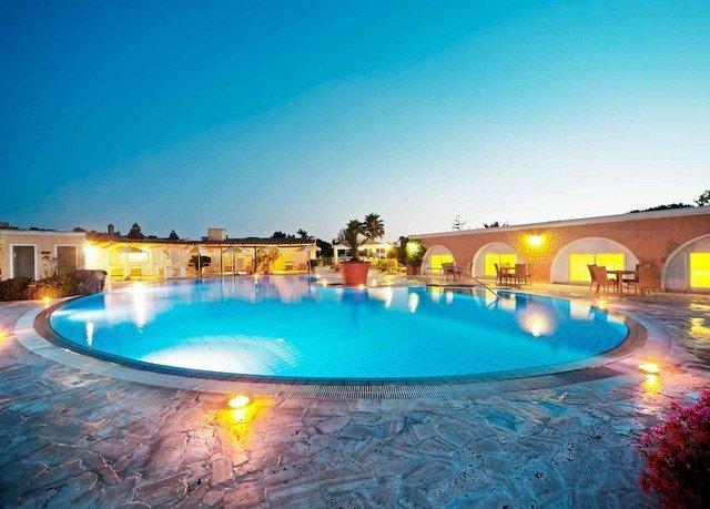 sky water ground Pool swimming pool leisure blue Resort swimming resort town Water park