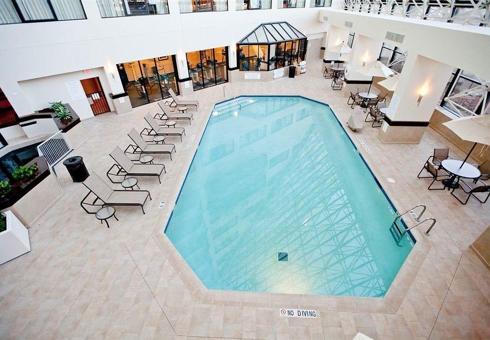 Pool swimming pool property leisure Villa home condominium jacuzzi mansion
