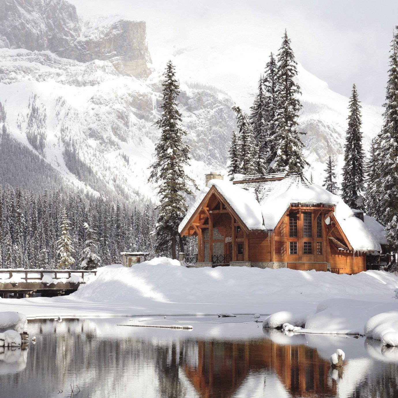 Hotels snow outdoor tree sky Winter Nature mountain weather covered season geological phenomenon mountain range freezing ice Resort surrounded Forest